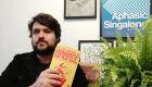 A pesquisa como fonte do design: Julio Matos fala sobre criação gráfica de 'Pelas Barbas do Babade'