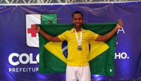 Atleta de Cabo Frio sobe ao pódio duas vezes em disputas no Paraná