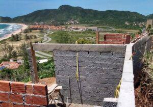 Meio Ambiente de Búzios embarga obra em Tucuns