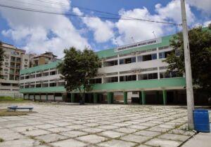 Após decreto que torna escola serviço essencial, Estado regulamenta número de alunos em sala de aula