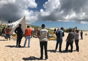 Prefeitura de Cabo Frio retira barracas das Dunas do Peró