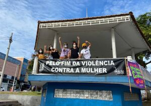 Ato na Praça Porto Rocha marca Dia Internacional da Mulher em Cabo Frio
