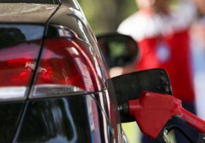 Combustível nas alturas faz cabo-friense sentir peso no bolso para tirar carro da garagem