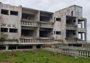 Hotel Acapulco: um futuro para as ruínas?