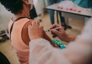 Cabo Frio vacina pessoas de 32 a 34 anos contra Covid-19 nesta semana