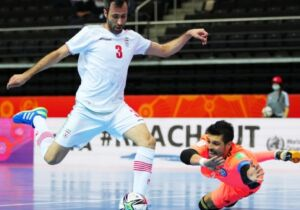 Com goleiro revelado em Cabo Frio, Cazaquistão passa para a semifinal da Copa do Mundo de Futsal