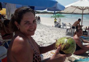 Preço do coco na praia é alvo de reclamações em Cabo Frio
