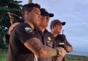 Foto do PM e youtuber Gabriel Monteiro com agentes de segurança na entrada de Búzios causa polêmica