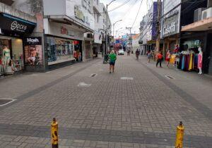 Reabertura em Cabo Frio: comércio de rua vai funcionar das 11h às 19h