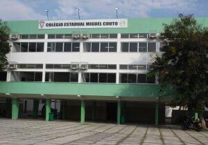 Profissionais da rede estadual de Educação decidem entrar em greve se houver volta das atividades presenciais