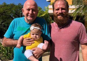 Dia dos pais: Bicampeão mundial de surfe e morador de Búzios se inspira no pai, que já foi jogador profissional de vôlei