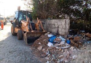 Prefeitura de Cabo Frio recolhe cerca de 15 toneladas de lixo em local utilizado para descarte irregular
