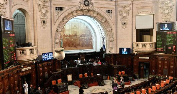 Comissão que analisa impeachment de Witzel na Alerj vota relatório nesta quinta (17)