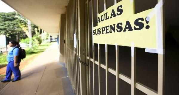 Justiça do Trabalho suspende retorno às aulas presenciais no estado do Rio