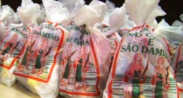 Igreja de São Jorge distribuirá 2 mil saquinhos de doces durante missas de São Cosme e São Damião