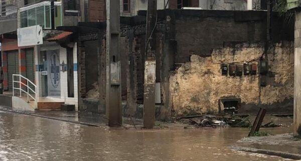 Chuva forte traz transtornos para toda a região