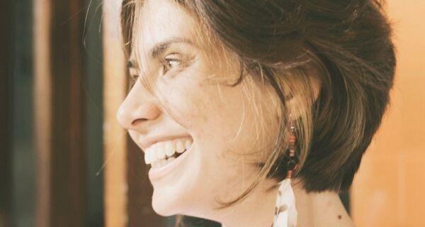 Poetisa da região lança audiobook com poemas inéditos em plataforma digital