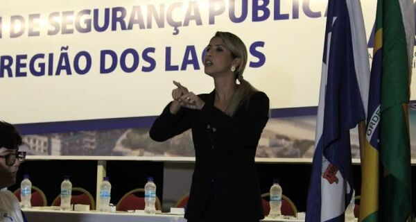 Intérpretes e tradutores de língua de sinais aguardam profissão regulamentada em Cabo Frio
