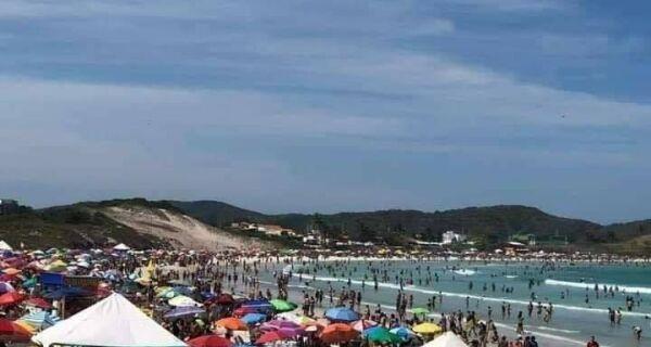 Feriadão de praias lotadas pode levar a recuo nas flexibilizações em Cabo Frio
