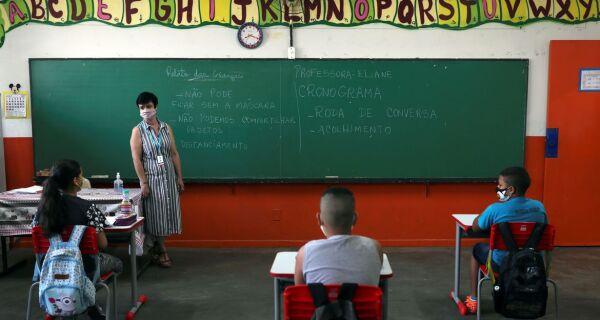 Estado do RJ define protocolo de volta às aulas
