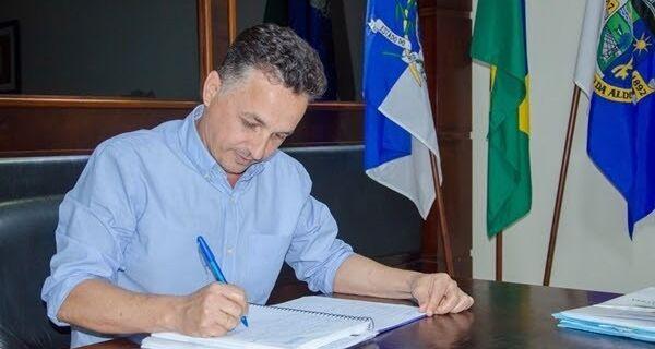 Por unanimidade, Câmara de São Pedro da Aldeia rejeita contas de 2017 do prefeito Claudio Chumbinho