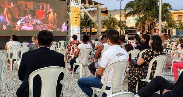 Cinema Presente na Praça volta à Região dos Lagos no fim do mês