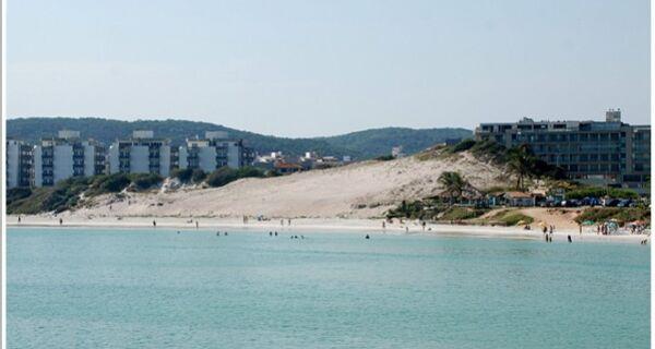 Duna Boa Vista, na Praia do Forte, recebe cerca de proteção nesta quinta (15)