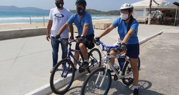 Orla do Peró começa a receber ronda de bicicleta da Guarda Municipal