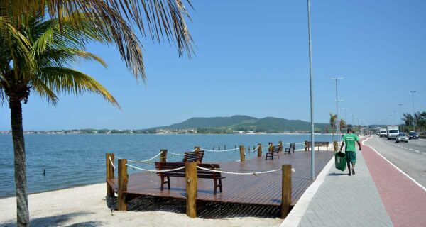 Orla da Praia do Centro, em São Pedro da Aldeia, será inaugurada nesta sexta
