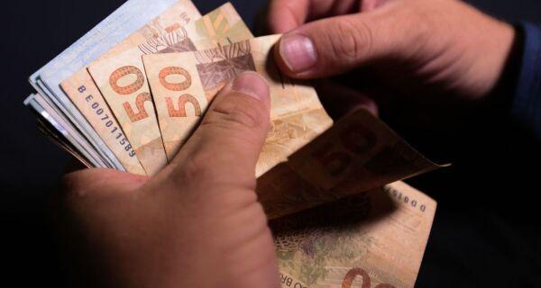 Décimo terceiro salário deve injetar R$ 208 bilhões na economia