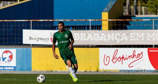 Jovem cabo-friense reforça clube desportivo e cultural de Portugal