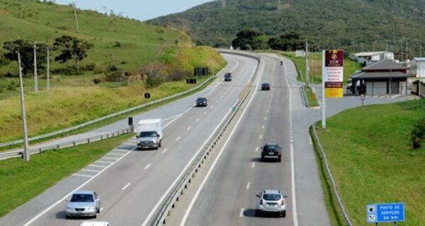 Expectativa é que cerca de 160 mil veículos passem pela ViaLagos durante fim de semana prolongado
