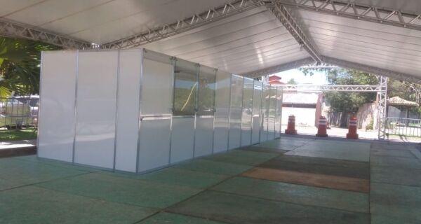 Búzios inicia instalação de tenda de triagem para Covid-19 em frente ao Hospital Municipal