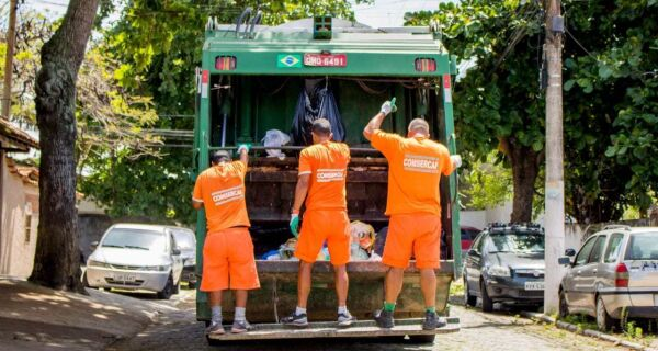 Comsercaf retoma coleta de resíduos domiciliares