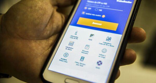 Trabalhador pode solicitar saque de R$ 1.045 do FGTS até dia 31