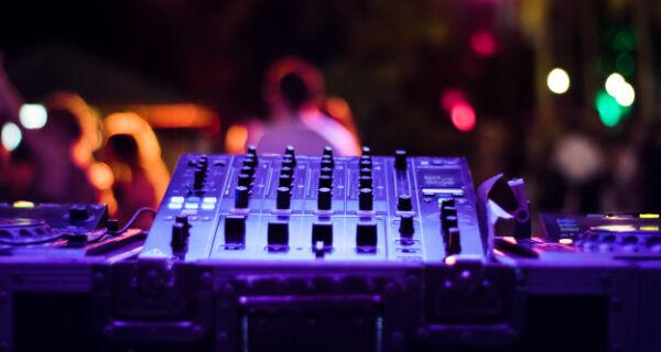 Búzios cancela a realização de festas, shows e eventos privados