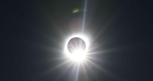 Brasil terá eclipse solar parcial nesta segunda, entre meio-dia e 15h