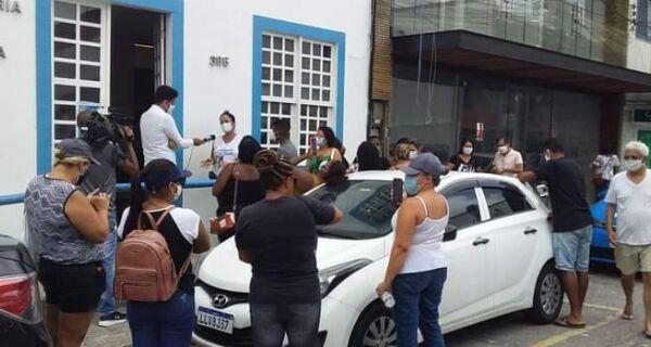 Cabo Frio e Arraial vivem dia de protesto de servidores por causa de salários atrasados