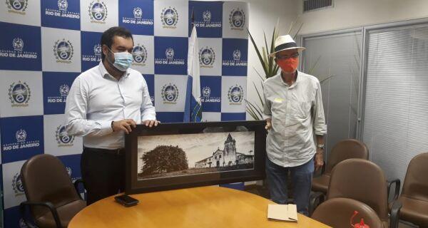 Bonifácio leva lista de projetos e pedidos ao governador em exercício