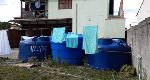 Ligação clandestina de água é descoberta em lavanderia em Búzios