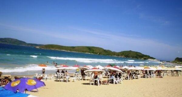 Proximidade da chegada do verão acende alerta no ordenamento em Cabo Frio