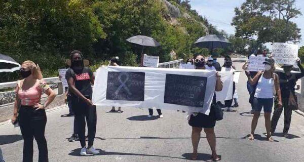 Com previsão de receber apenas na quinta (24), servidores da Saúde de Cabo Frio fecham Ponte de novo