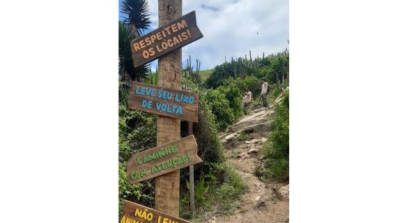 Morro do Vigia ganha placas de sinalização