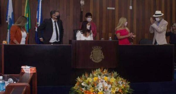 """Bonifácio toma posse em Cabo Frio falando em """"diálogo entre os poderes"""""""
