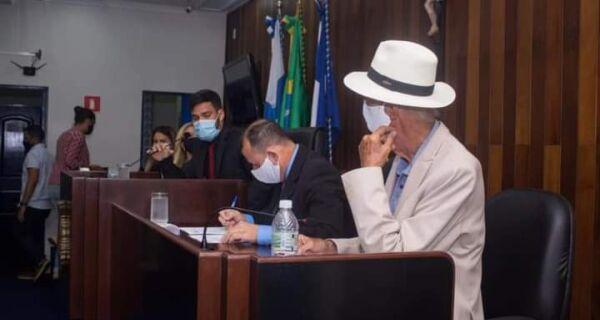 Em proximidade com a Câmara, Bonifácio pede aprovação de lei que cria fundo para pagar dívidas