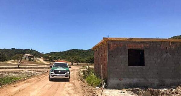 Prefeitura de Cabo Frio embarga loteamento no bairro Monte Alegre