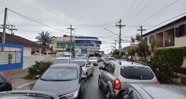 Moradores do Peró reclamam da superlotação e da falta de água e fiscalização no feriado de Réveillon