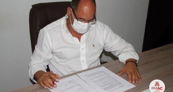 Arraial anuncia que Butantan deu retorno positivo para o fornecimento de 100 mil doses da CoronaVac