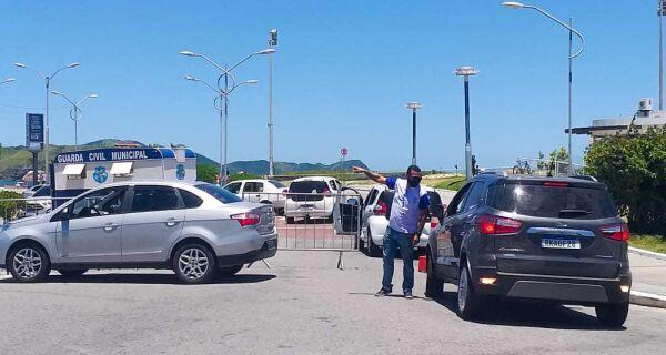 Orla da Praia do Forte é parcialmente fechada para veículos motorizados