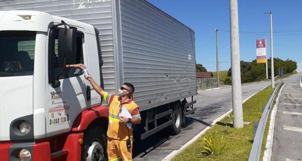 CCR ViaLagos promove ação e distribui kits de higiene para os caminhoneiros